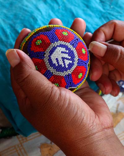 tekiti_experiencias_mexicanas_artesanias_mexico_colaboraciones_tapones_clase_azul_portada